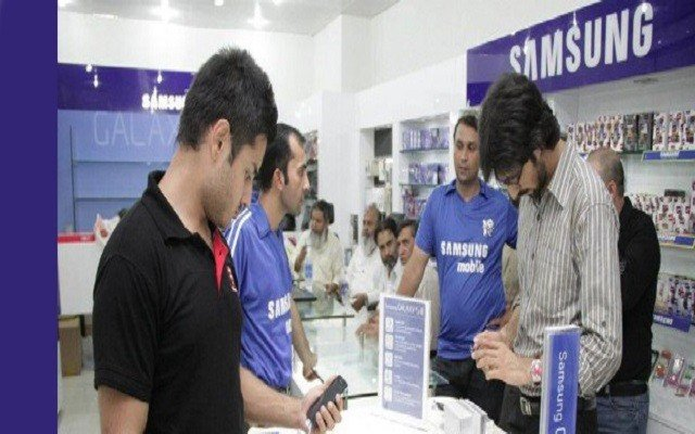 samsung-opens-new-experience-zone-for-pakistani-customers