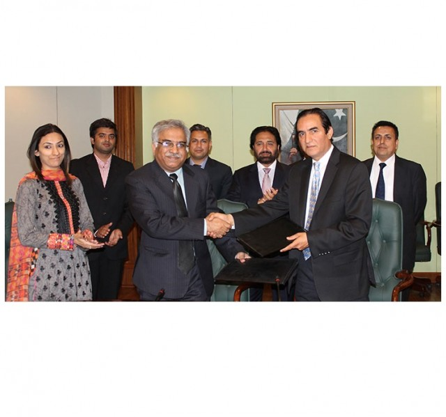 PTCL signs MoU with WWF to reduce carbon footprint