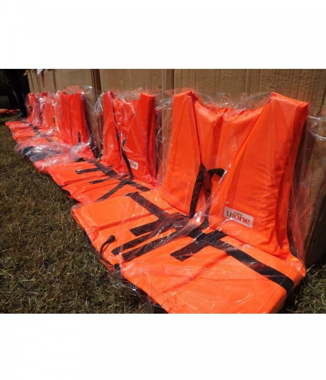 Ufone Provides Life Jackets for Flood Relief
