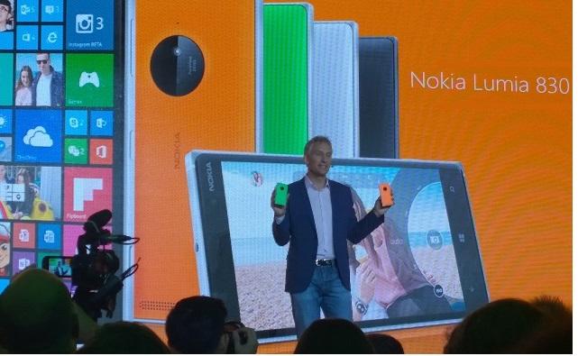 https://www.phoneworld.com.pk/wp-content/uploads/2014/09/Chris-Weber-with-Lumia-830.jpg