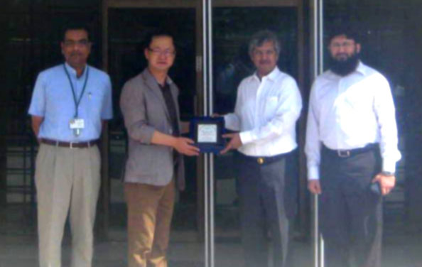 Samsung Chief Visits JPMC to Observe the Latest Donated Equipment