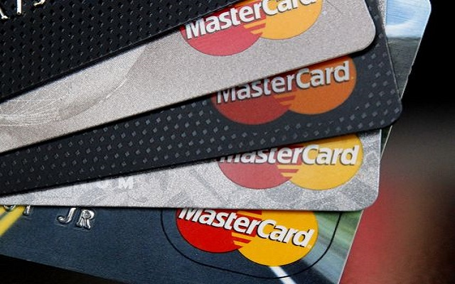 MasterCard Helps You to Pay Your Bills by Clicking Selfies