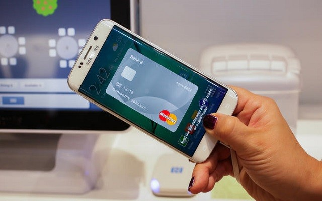 Samsung Introduces Mobile Payment System