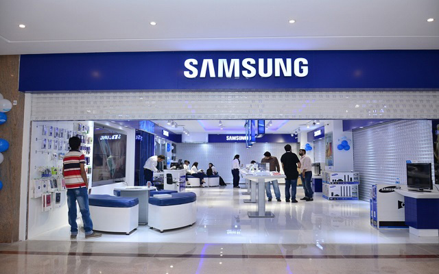 "Samsung Opens ""Experience Zone"" in Fortress Square Mall, Lahore"