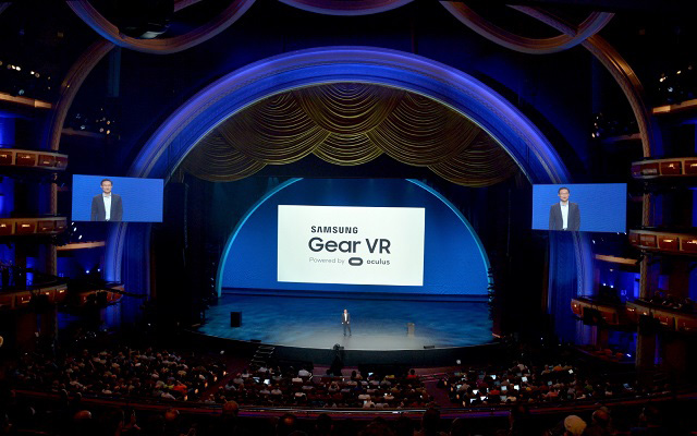 Samsung and Oculus Introduce the First Consumer Version of Gear VR
