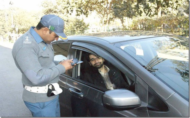 Islamabad Traffic Police will Now Collect Challan through Mobile Phones