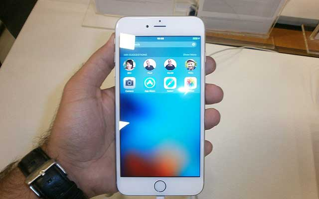Photo of Apple launches iPhone 6s & 6s Plus in Pakistan
