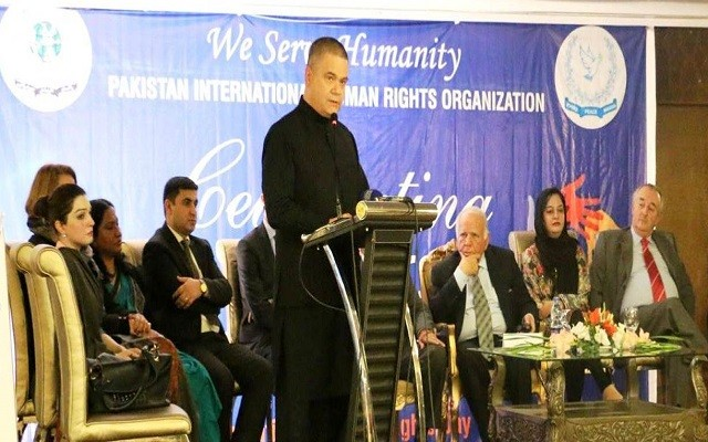 Telenor CEO Michael Foley Receives Human Rights Award