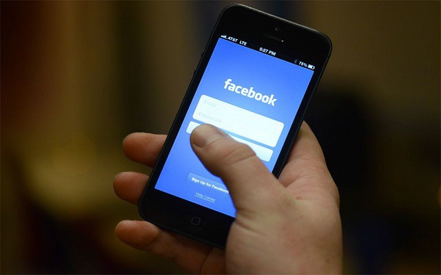 Facebook Working on Developing its Own App Store: Report