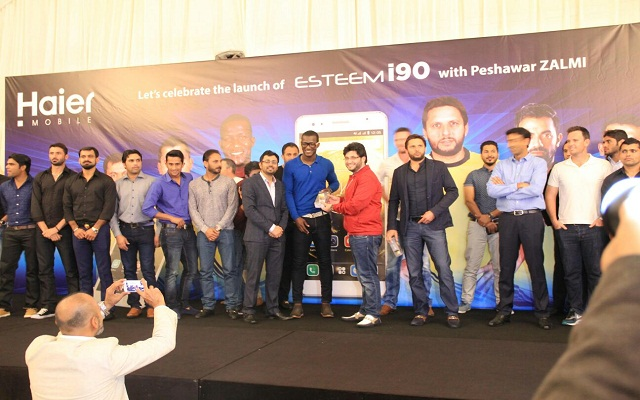 Haier Mobile hosts dinner for Peshawar Zalmi