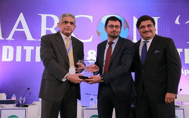 """CEO Haier Mobile Mr.Zeeshan Qureshi Awarded for """"EXCELLENCE"""" at MARCON'16"""
