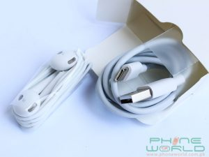 huawei p9 review accesseries headphones and data cable