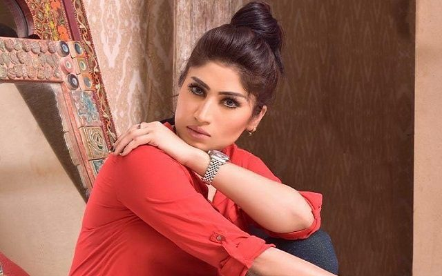 Social Media Celebrity Qandeel Baloch Shot Dead by her Brother