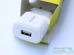 infinix hot s retail box contains 1.5A charger