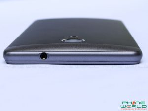 qmobile noir s2 plus audio jack at top edge