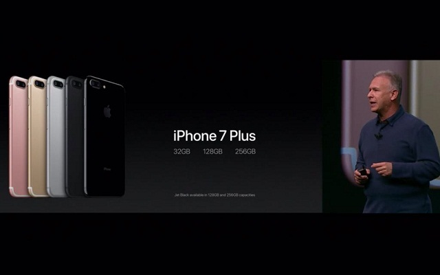 iPhone 7 and 7 Plus Launched with Water Resistance and no Headphone Jack