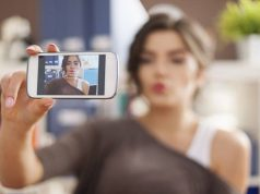 Here Are The 5 Best Beauty Apps for Selfie Addicts