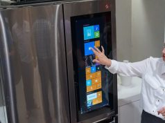 LG's InstaView Fridge Come with Windows 10 Tablet on the Door