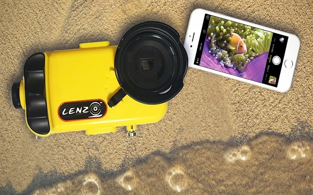 Now You Can Take Under Water Selfies With Your iPhone by Using LenzO