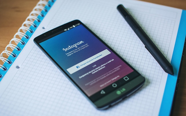 how to download videos from instagram to your phone
