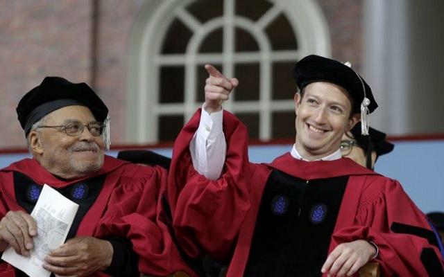 Mark Zuckerberg Gets his Harvard Degree After 13 Years