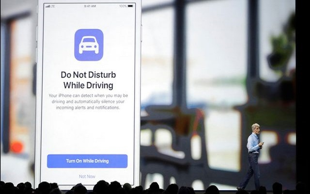 apple updates iOS