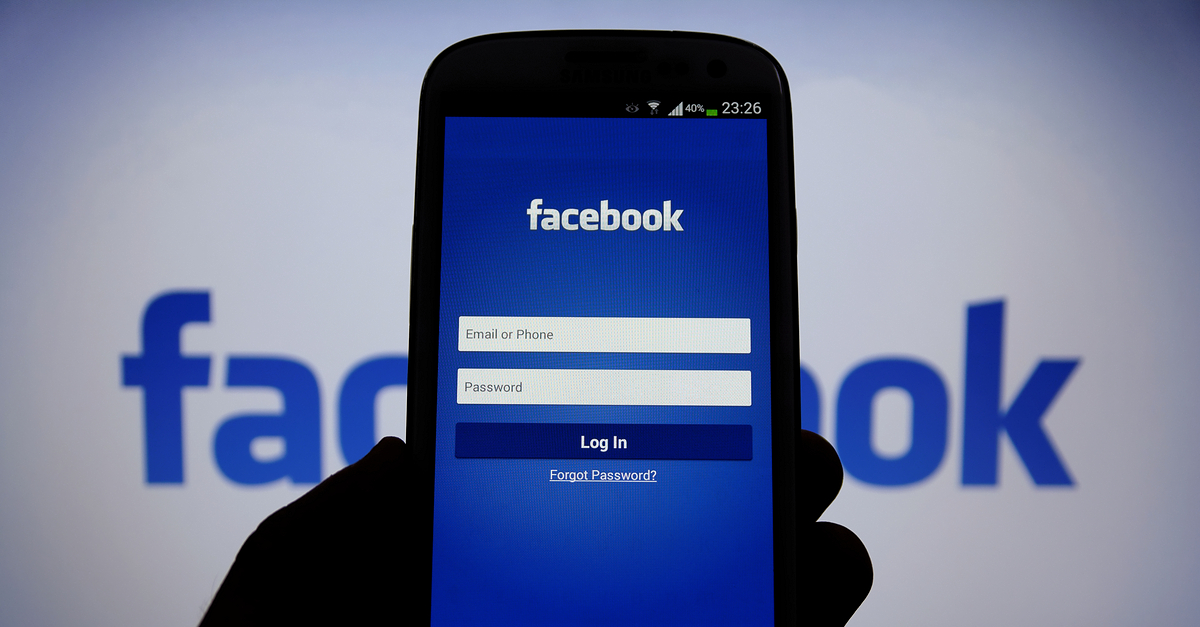 Facebook revenue soars as mobile advertising sales boom