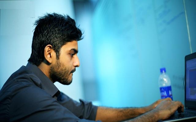 Meet Pakistani Boy Who Hacked Google, Microsoft, Facebook & Snapchat: Shahmeer Amir