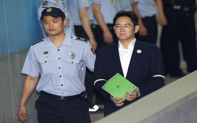 Samsung VC Jay Y Lee Fights Back Tears as Korean Prosecutors Seek 12 Years Jail