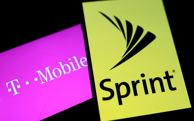 Senators Urge Investigation Into Sprint, T-Mobile Merger