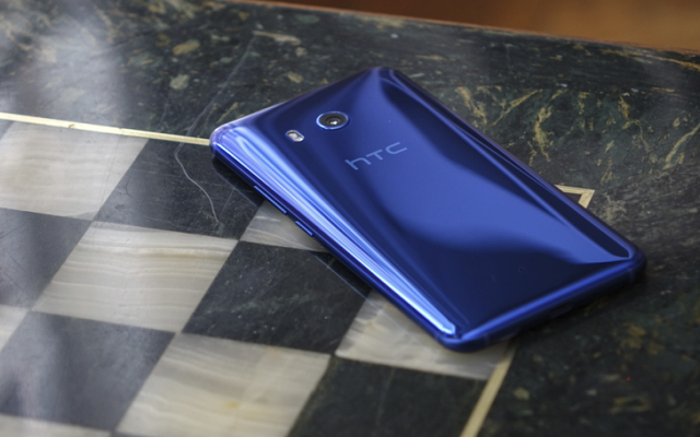 HTC U11 starts getting Oreo update in the US
