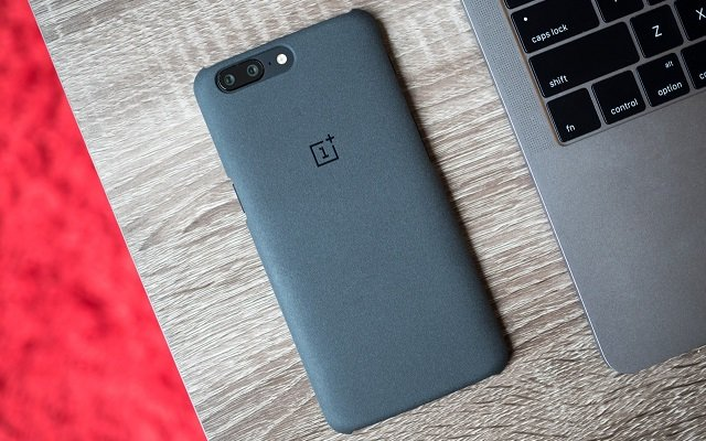 Upcoming Android Oreo update might bring Face Unlock to the OnePlus 5