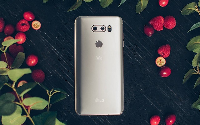 LG V30s with AI camera said to echo Apple strategy
