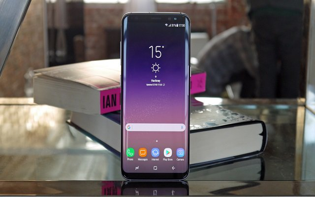 Samsung Launches Galaxy S9 to Compete with Apple iPhone X