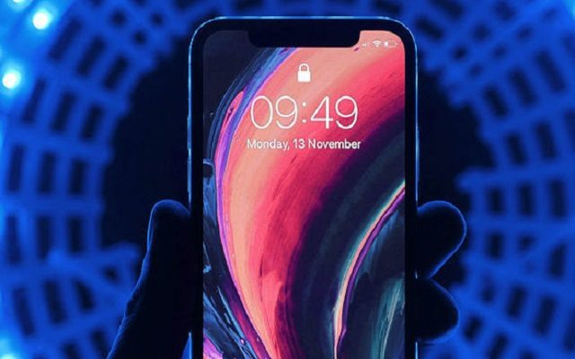 New iPhone X with 6.1 Inch OLED Display