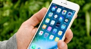 Apple Slashes Prices of New iPhones by $300