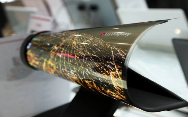 First Lenovo Foldable Tablet on Its Way with LG-Made Display