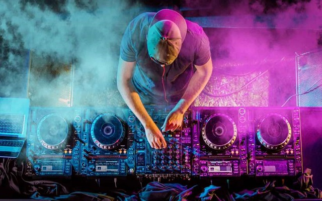 Now DJs will Mix Songs Streaming from SoundCloud