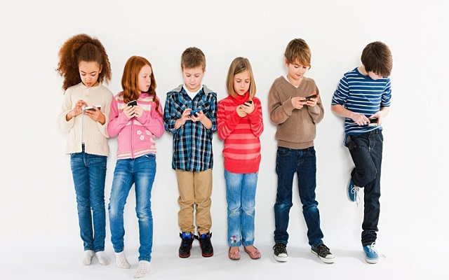 Screen Time of Two Hours Lead to Poor Brain Development in Kids