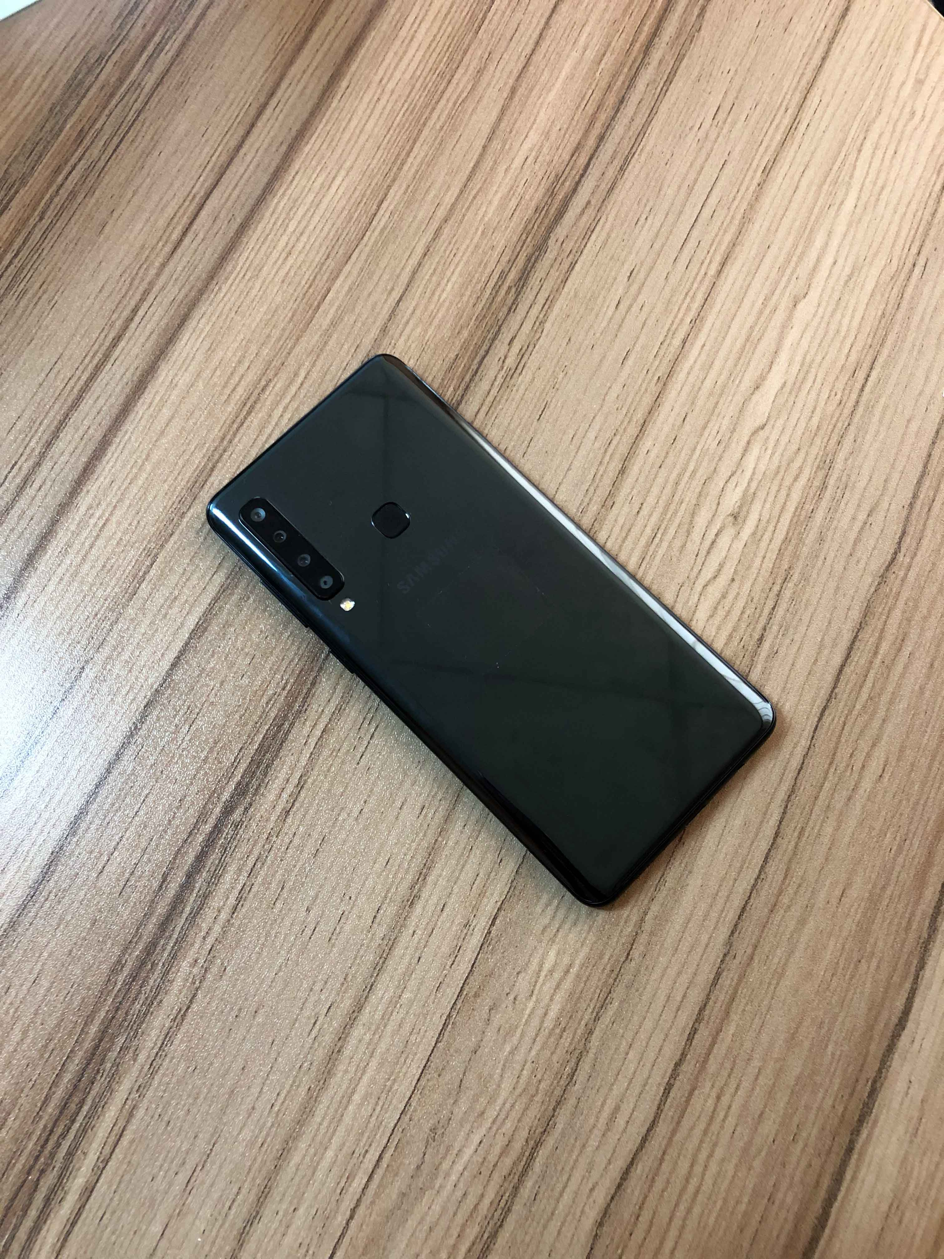 Samsung Galaxy A9 (2018) Review