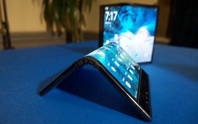 World's First Foldable Phone is the Ugliest Thing Ever