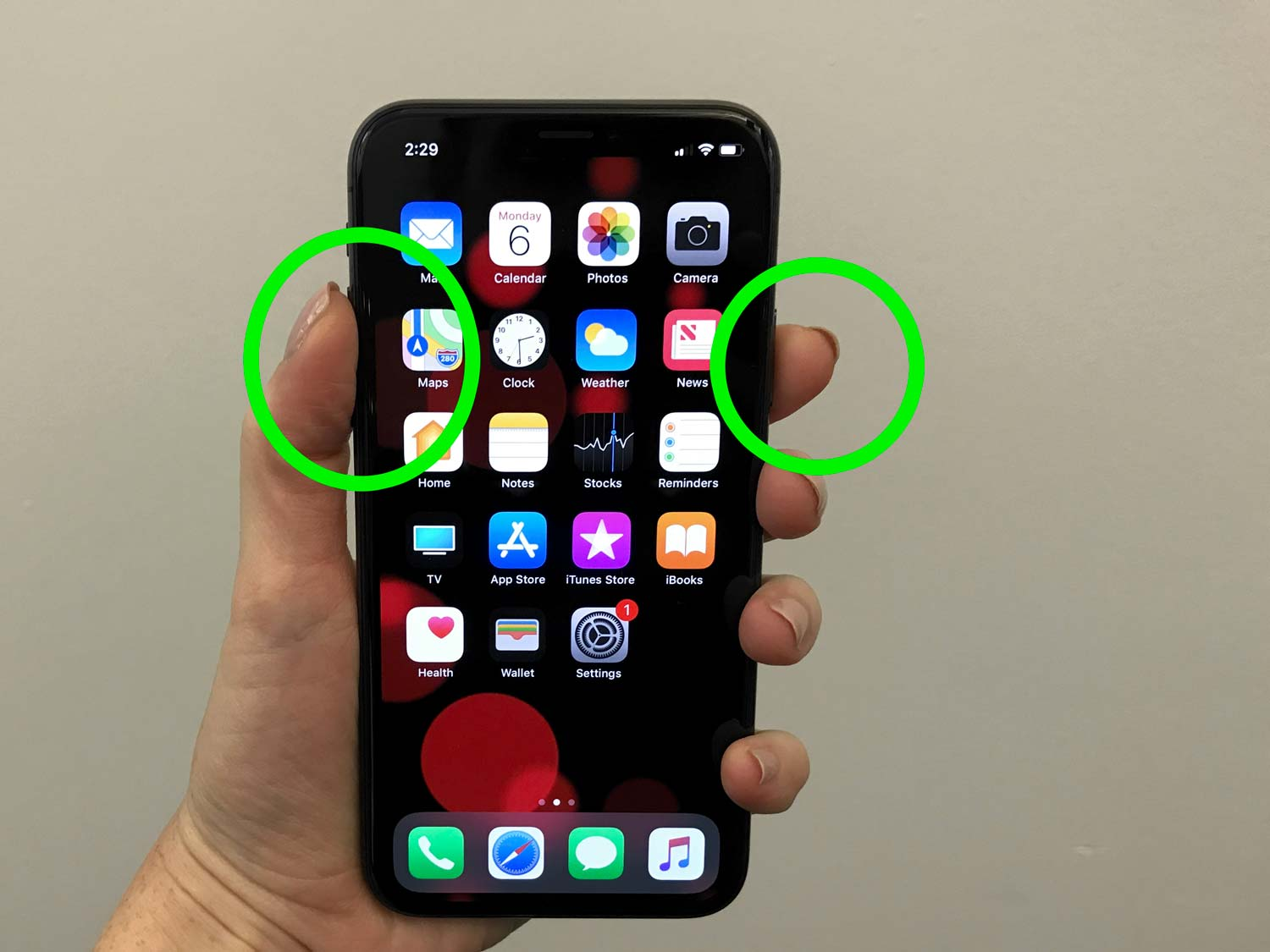 As Apple continues to remove physical buttons from its lineup of devices, taking a screenshot becomes a much tougher task as the button combinations continue to change.
