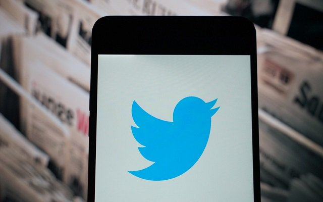 Twitter to Roll Out Snapchat-Like 'News Camera' Feature on iOS