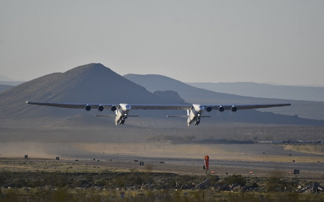 World's Largest Airplane Completes its First Flight Successfully