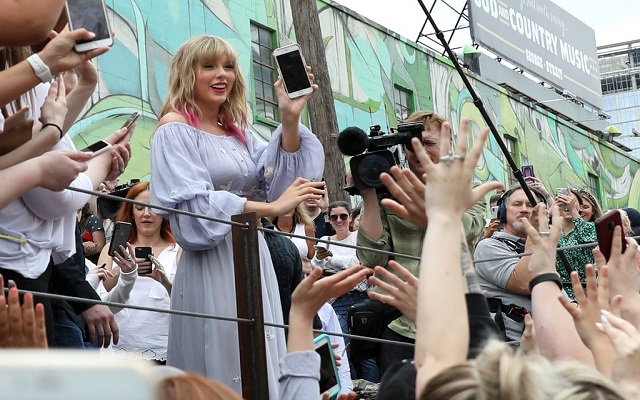 Taylor Swift's ME! Breaks Bunch Of Records