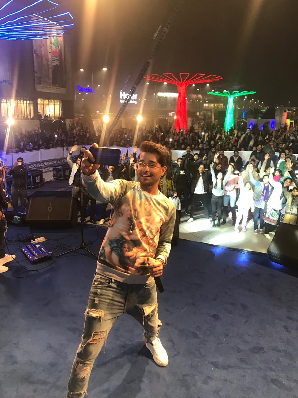Journey of Packed with Entertainment with Asim Azhar Powered by Honor Pakistan Ends in Rawalpindi