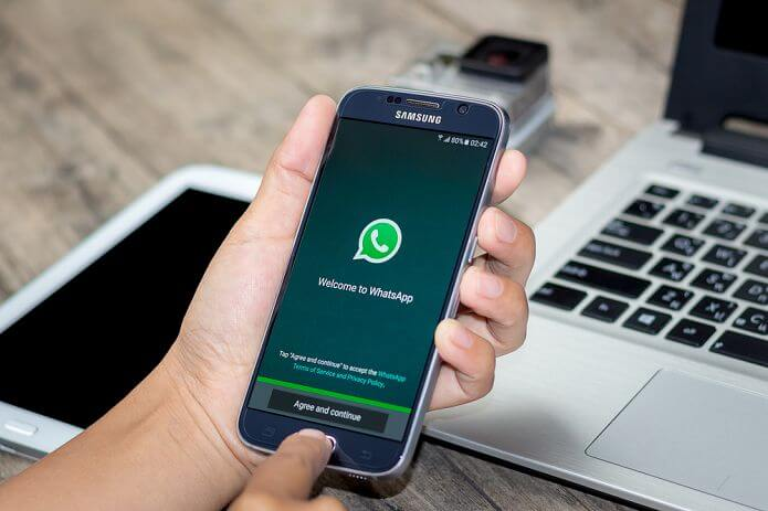WhatsApp Latest Update for Android Preparing for Share to Facebook and QR Code Feature