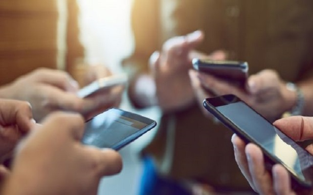 Mobile Phone Registration: Commercial Imports Of Mobiles Jump From 5.89 Mn In 2016 To 9.27 Million In 2019