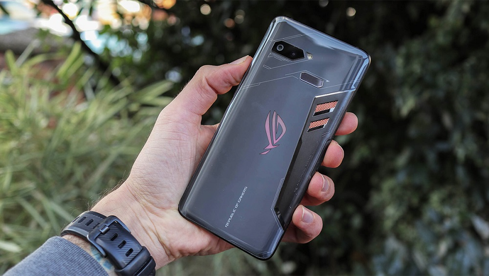 Asus ROG Phone 2 Surfaced On TENAA With Massive 5,800 mAh Battery