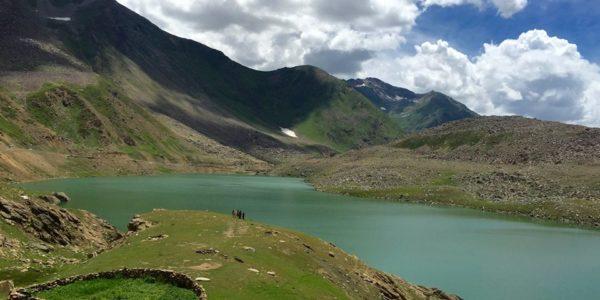 20-Lulusar-Lake-2